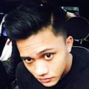 المغني  الإندونيسي   رزقي فيبيان
