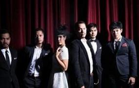الأغاني المحبوبة الإندونيسية من الفرقة  مالك و دي أيسينسيال.