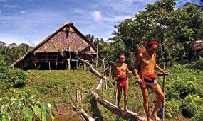Het toerismedorp Madobak in West Sumatra