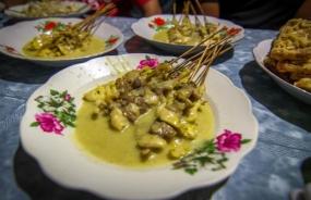 Sate Kopok, één van de traditionele snack van de stad Ponorogo, Oost Java