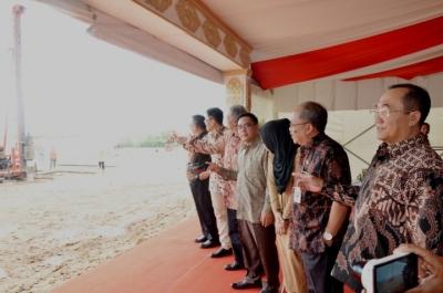 MIJN INDONESIË : Indonesië-Singapore heeft de Kendal Furniture Polytechnic ingewijd