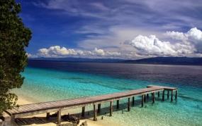 Het strand van Liang, in Maluku