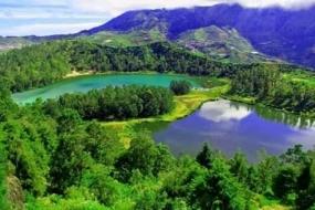 Telaga Warna : Een plek met natuurlijke fenomenen In Banjarnegara, Midden-Java