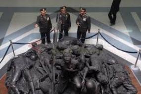 le Tugu Pahlawan et le Musée du 10 novembre