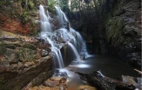 La cascade de Guruh Gemurai à Riau