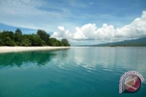 L'ile de Pombo aux Moluques