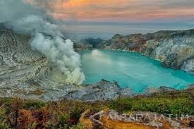 Le cratère d'Ijen est rouvert pour les touristes le samedi 11 juillet 2020