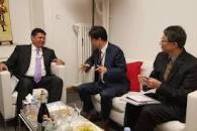 Wirtschaftskkoordinationsminister lud Industriellen zur Entwicklung der Kapazitӓt indonesischer Arbeitskrӓfte ein.