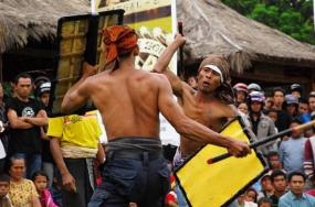 Peresean , Tanzkunst des Sasak Volkstammes