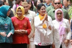 Präsidentengattin feiert  den Kartini-Tag in Bogor