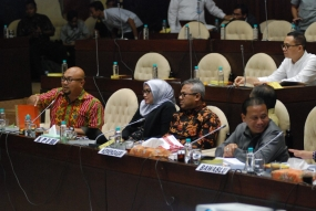Larangan Bagi Mantan Terpidana Kasus Korupsi Menjadi Calon Anggota Legislatif Sebaiknya Diatur Sesui Konstitusi
