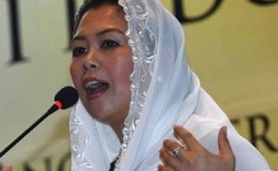 Yenny Wahid Berbicara Peran Perempuan di Forum Perdamaian Paris