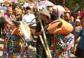 東ジャワ州のSAPI SAPIANの伝統