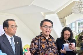 副大統領は、愛知県の大村秀章知事の訪問を受ける