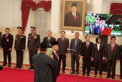 大統領は、在ナイジェリア連邦共和国のインドネシア大使を就任させる
