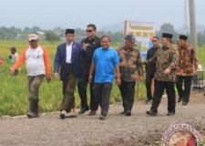 共同事業・国民住宅省は、Cirebonで現金集約型を実施する