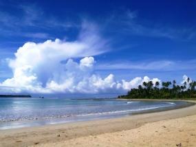 Lagundri 海滩