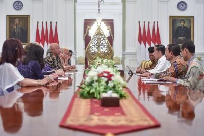 Jokowi总统准备总统规定关于肺结核的根除