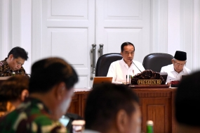 President Joko Widodo led a limited Cabinet Meeting that discussed preparations for capital moving at the State Palace in Jakarta on Wednesday afternoon (01/15/2020).