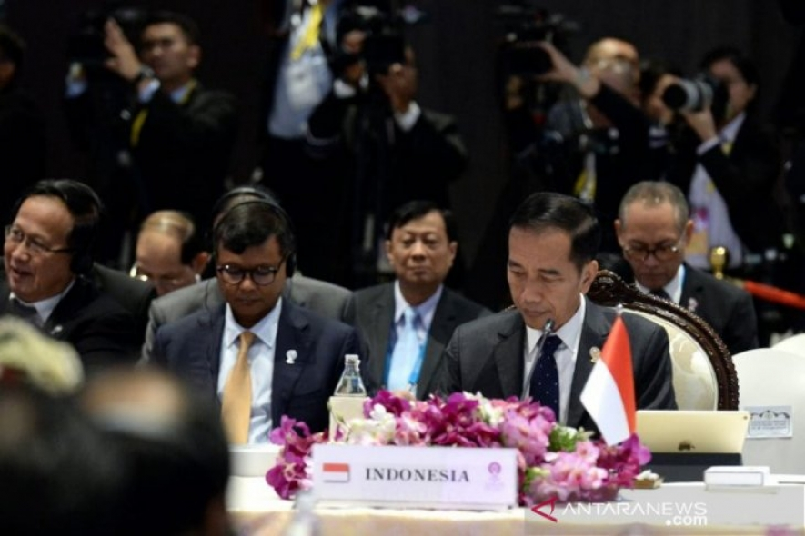 President Joko Widodo attended the 35th ASEAN Summit Plenary Session held at the IMPACT Exhibition and Convention Center in Bangkok, Thailand, Saturday (2/11/2019).