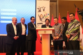 The Agrarian and Spatial Planning Minister/Head of the National Land Agency Sofyan A Djalil launched the digital-based platform for agrarian/spatial planning services in Jakarta, Wednesday (Sept 4, 2019)
