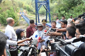 Indonesian Minister of Foreign Affairs Retno Marsudi inaugurated the Diplomacy Bridge connecting Cibunar Village, Tarogong Kidul Subdistrict, and Mangku Rakyat Village, Cilawu Sub-district, Garut, West Java, Friday 13 July