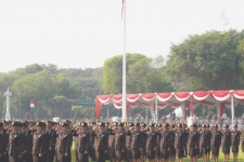 Jokowi: Young Officers should Keep up with Technological Developments