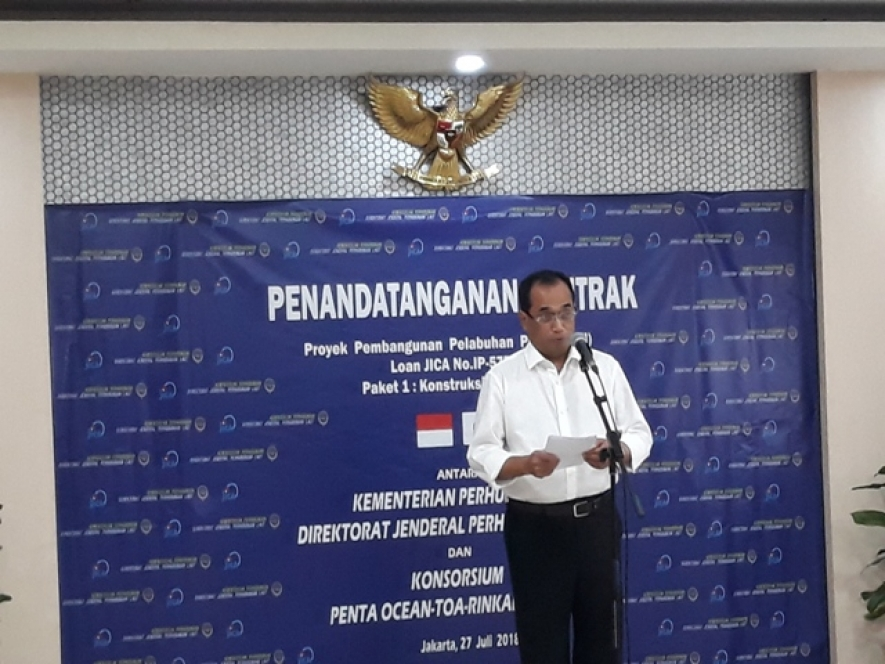 Indonesian Ministry of Transportation on Friday, July 27, 2018 in Jakarta signed a contract for the construction of Package 1 Patimban Port, Subang, West Java with a number of consortiums