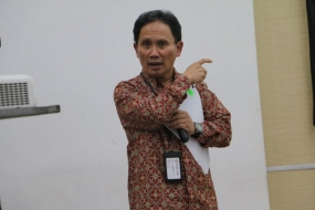 Director of the Electronics and Telematics Industry of the Ministry of Industry R. Janu Suryanto