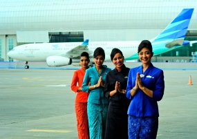 Crew of Garuda Indonesia (Google)