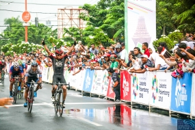 Abdul Gani from KFC Cycling Team Finishes First at the Second Stage of Tour de Indonesia 2018