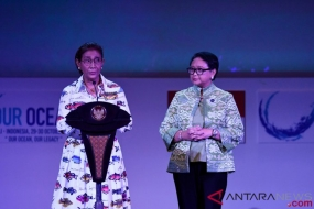 Minister of Maritime Affairs and Fisheries Susi Pudjiastuti (left) with Minister of Foreign Affairs Retno LP Marsudi (right) delivered a remark at the opening of the 2018 Our Ocean Conference (OOC) in Nusa Dua, Bali, Monday (Oct/29/2018). The international conference took place from 29 October to 30 October 2018.