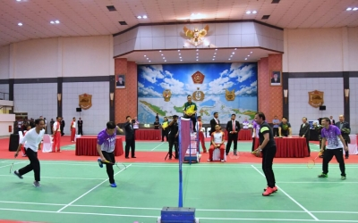 President Joko Widodo Plays Badminton with Sultan of Brunei