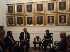 FM Retno Marsudi and Her PNG Counterpart, Rimbink Pato, Hold Bilateral Meeting