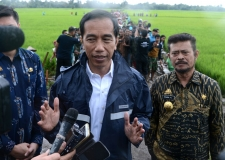 President Visits Labor-Based Projects in Gowa