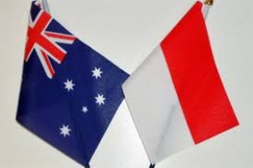 Flags of Indonesia and Australia