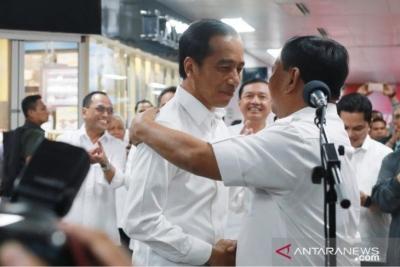 Meeting Prabowo, President Jokowi Invites All Indonesian People to Unite
