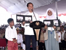 President Visits Disaster Education Directly in Banten