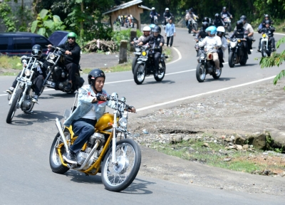 President Joko Widodo Finally Ride His Chopper