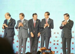 President with ASEAN Leaders