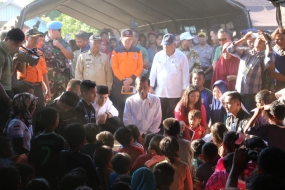 President on the Site of Earthquake Lombok