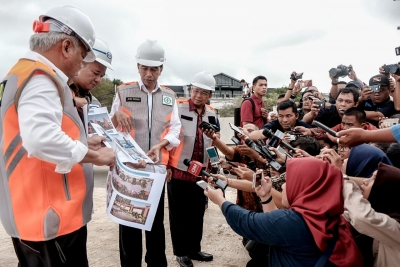 President Joko Widodo (Jokowi) during the observation of Muara Nusa Dua Reservoir Rehabilitation, Improvement and Tourism Area in Denpasar, Bali, Friday (06/14/2019), said that the 35-hectare reservoir would not only be a source of raw water for some areas in Bali include Denpasar, Benoa, Nusa Dua, and around the airport area but also tourist areas.