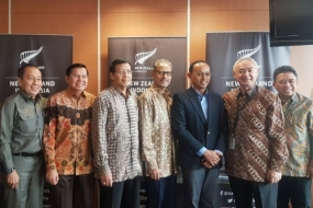 New Zealand Ambassador to Indonesia Trevor Matheson with Chairperson of the Indonesia-New Zealand Friendship Council Indradi Soemardjan and several advisors to the organization including former Indonesian Ambassador to New Zealand Amris Hassan in Jakarta on Monday 11.05.2018