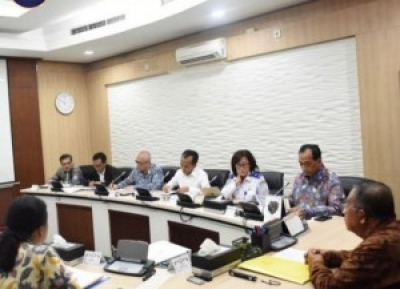 Minister for the Economy Darmin Nasution chairs a meeting on airfare at his office, Jakarta,