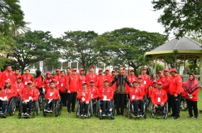President with the para games athletes