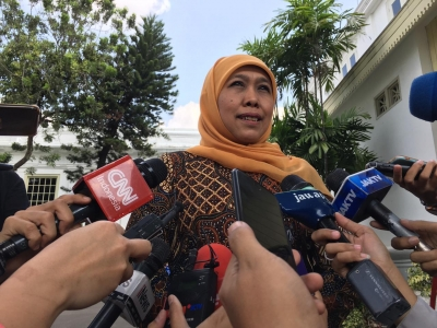 Khofifah Reports 2 Draft Presidential Regulations to the President