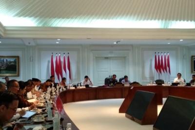Jokowi insta a los ministros a aumentar los gastos de capital y recortar la adquisición de bienes