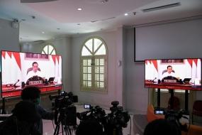 El presidente Jokowi alienta a las personas a comprar productos indonesios