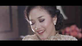 """Kerontjongliedjes: Kr. Nangka Kuning"""" gezongen door Dian Mita"""