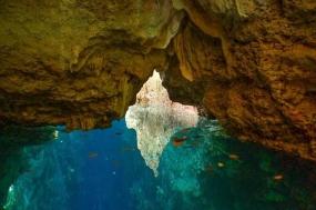 Haji Mangku-grot, Derawan-archipel, Oost Kalimantan